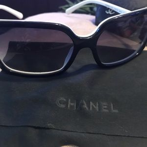 *Authentic**Chanel sunglasses Jackie O style